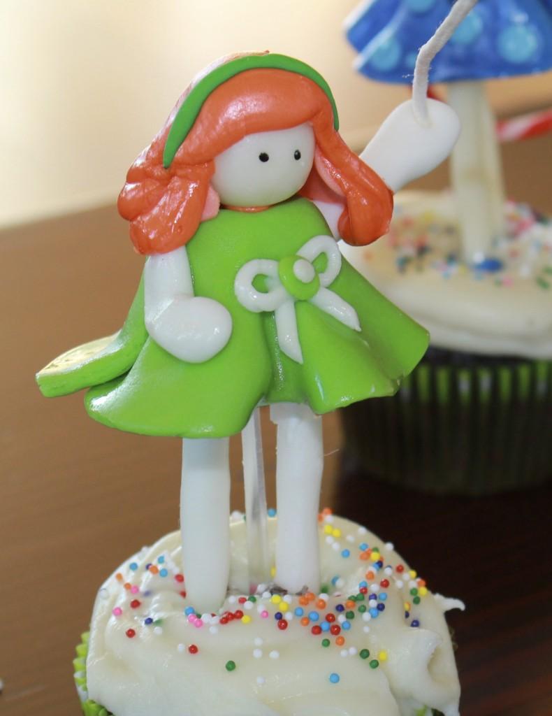 fondant cupcake