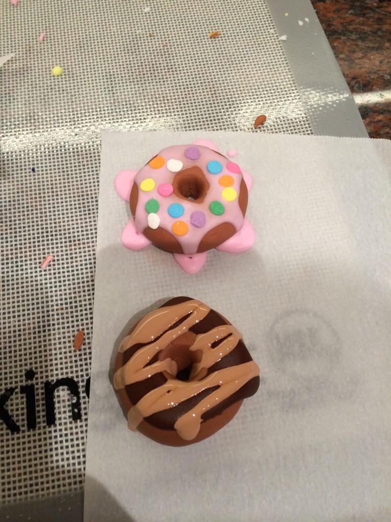 fondant doughnuts for cupcakes