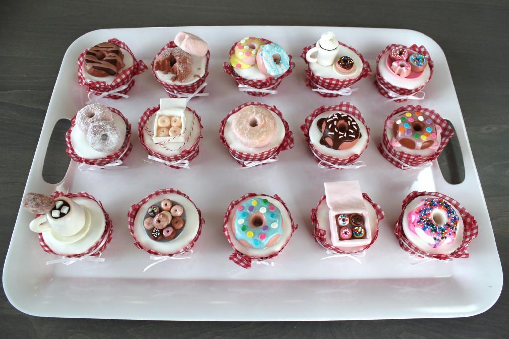 Fondant doughnuts on cupcakes