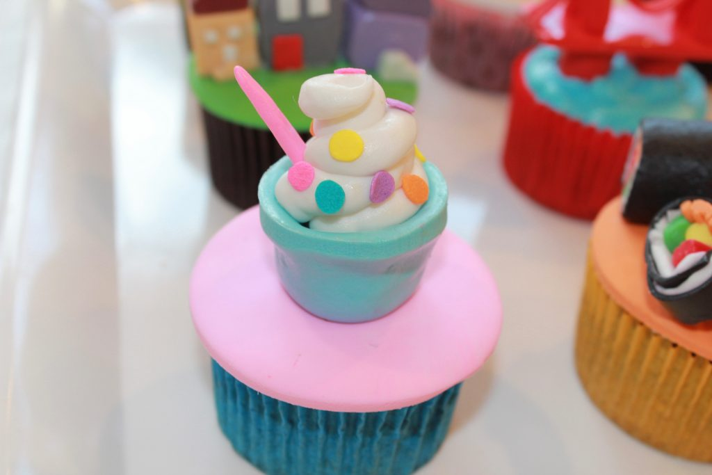 Easy Breezy, frozen yogurt, toppings, fondant